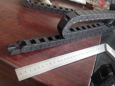 18系列小型拖链