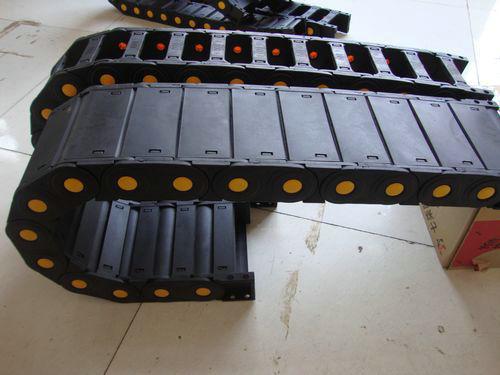 65系列承重型塑料拖链